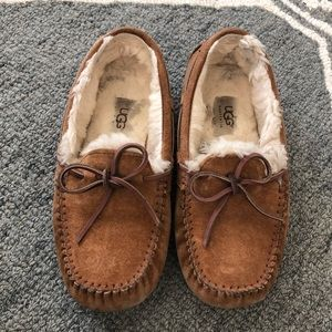 UGG Womens Dakota Chestnut Moccasin Slippers